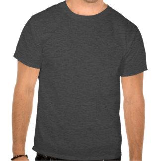 Parte dianteira escura do t-shirt de Basoc (carvão