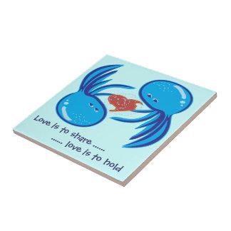 Parte do amor das medusa e azulejo azuis da posse