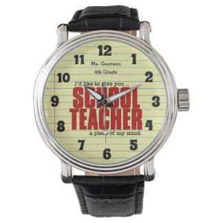 Parte do professor primário de costume engraçado relógio