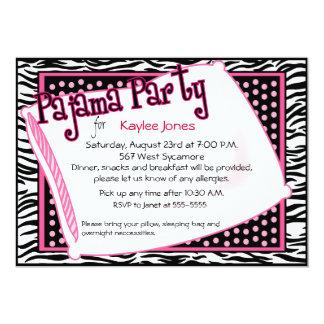 Partido de pijama em pontos pretos e cor-de-rosa convites personalizados