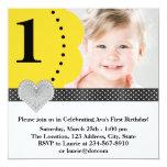 Partido de primeiro aniversario preto amarelo da convites personalizado