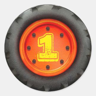 Partido do caminhão do primeiro aniversario adesivo em formato redondo