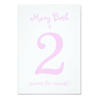 Partido engraçado da menina do aniversário de convite 8.89 x 12.7cm
