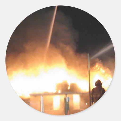 Páscoa 2013 de Clinton IL do fogo da garagem de Adesivos Em Formato Redondos