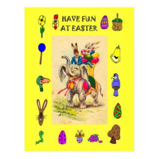 Páscoa - elefante que entrega ovos cartão postal