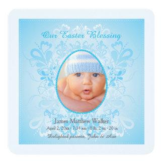 Páscoa que abençoa o anúncio azul do nascimento da convite quadrado 13.35 x 13.35cm