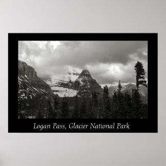 Passagem de Logan, parque nacional de geleira Poster