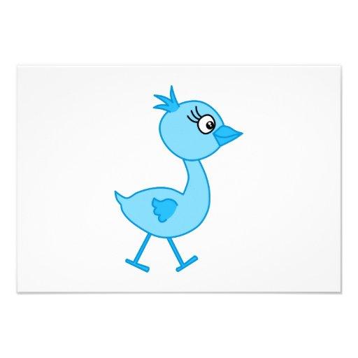 Pássaro de passeio bonito, azul convite