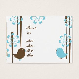 Pássaros amigáveis no azul cartão de visitas