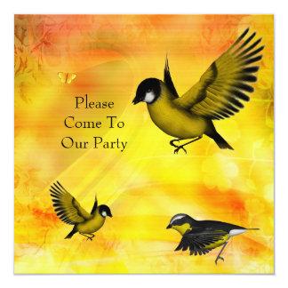 Pássaros do amarelo do verde do partido do convite