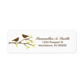 Pássaros em etiquetas de endereço do remetente do