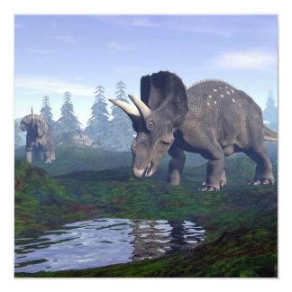 Passeio de dois dinossauros de convite quadrado 13.35 x 13.35cm