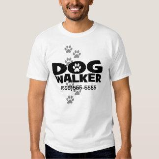 Passeio do cão e promoção do caminhante do cão! camisetas