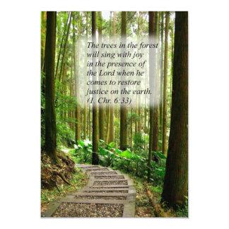 Passeio do enrolamento em uma floresta quieta convite 12.7 x 17.78cm