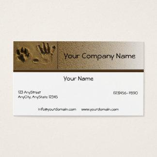 Pata do cão dos melhores amigos e impressão da mão cartão de visitas