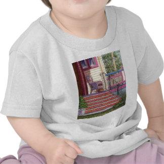 Patamar com cesta camisetas
