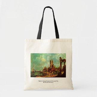 Patamar da cena do capricho em uma cidade elevada bolsas de lona