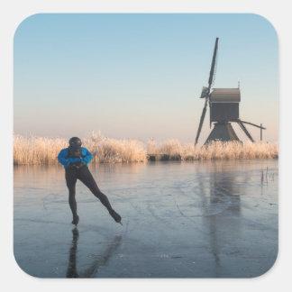 Patinagem no gelo após a etiqueta do moinho de