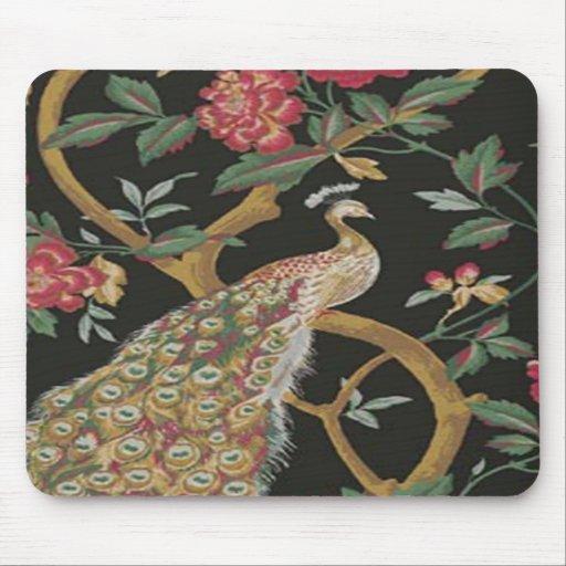Pavão elegante no tapete do rato preto mousepad