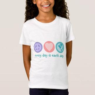 Paz, amor e camisa da terra (Dia da Terra)