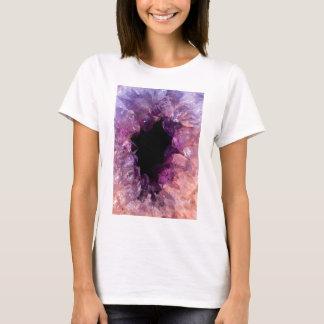 Pedra mineral de cristal roxa cor-de-rosa de camiseta