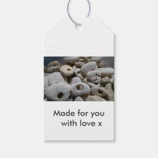 Pedras com furos. Feito para você com amor Etiqueta Para Presente
