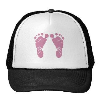 Pegadas cor-de-rosa do bebê boné