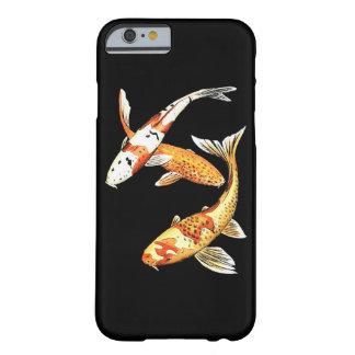 Peixe dourado oriental de Koi no preto Capa Barely There Para iPhone 6
