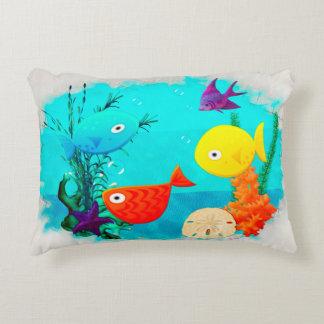 Peixes dos desenhos animados do aquário da rareza almofada decorativa