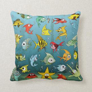 Peixes dos desenhos animados subaquáticos travesseiros de decoração