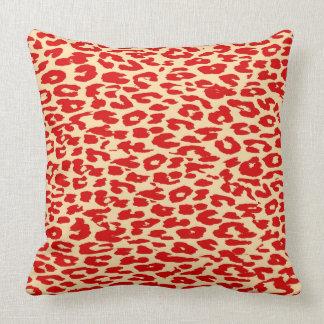 Pele vermelha do impressão do leopardo almofada