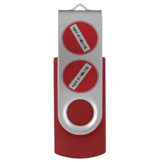Pen Drive Giratório entre em própria vara de USB do risco