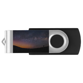 Pen Drive Giratório Por do sol da Via Láctea do Vale da Morte