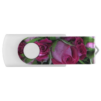 Pen Drive Giratório Rosebuds cor-de-rosa do bebê