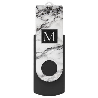 Pen Drive Giratório Teste padrão de mármore branco e preto Monogrammed
