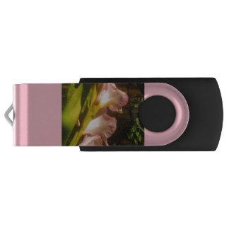 Pen Drive Movimentação amarela de florescência cor-de-rosa