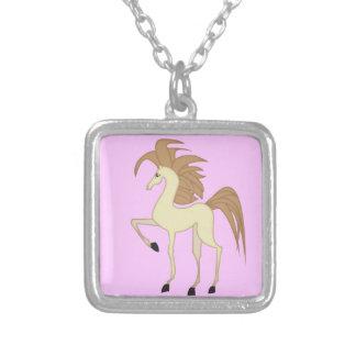 Pendente bonito do cavalo dos desenhos animados colar com pendente quadrado