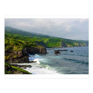 Penhascos tropicais em Maui Havaí Cartão Postal