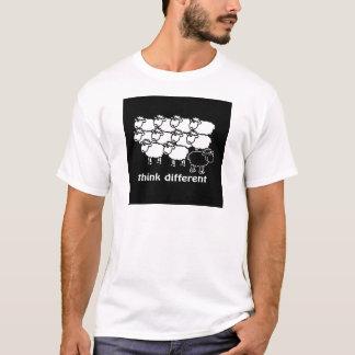 Pense diferente - diferente de Pense Camiseta