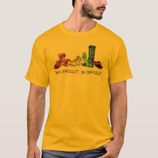 Pense diferente.  Seja diferente Camiseta
