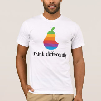 Pense diferentemente - a camisa retro da paródia T