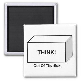 Pense fora da caixa ímã quadrado