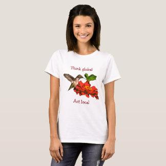 Pense o colibri local do ato global na camisa da