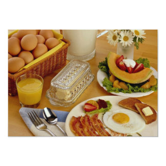 Pequeno almoço do bacon, dos ovos e do jarro do convite 12.7 x 17.78cm