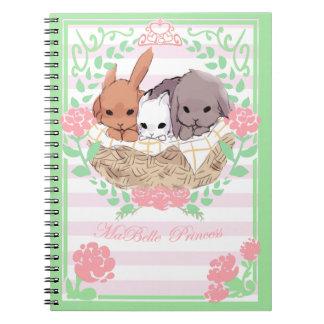 pequeno rosa/branco do caderno dos coelhos do trio