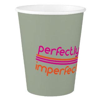 Perfeitamente imperfeito copo de papel