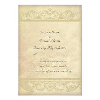 Pergaminho cremoso elegante que combina notas de convite personalizados