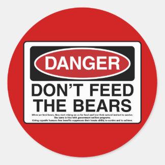 PERIGO: Não alimente os ursos Adesivos Em Formato Redondos