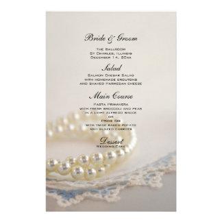 Pérolas brancas e menu azul do casamento do laço papelaria
