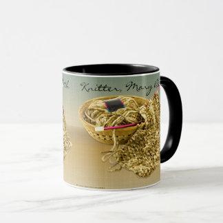 Personalize: A imagem de tricota manualmente o fio Caneca